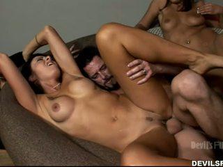brunetă, vedea sex în grup nou, frumos sărutat