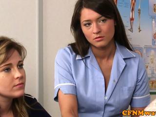 ผู้หญิงใส่เสื้อผู้ชายไม่ใส่เสื้อ พยาบาล nadia elainas ผู้ป่วย cums
