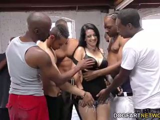 Katrina jade sucks veel zwart cocks